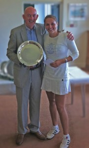 George Stephenson presents the trophy to Lynsey McCullough, winner Windsor SuperSet
